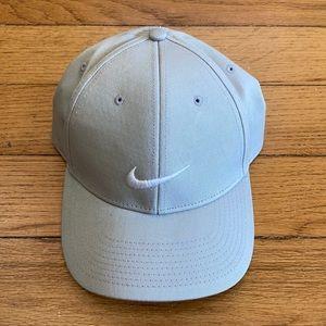 Nike Golf Beige White Swoosh Baseball Cap Hat